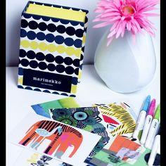Hallo ihr Lieben, Heute gibt es Postkarten aus aller Welt - wir stellen euch Postcrossing vor. Bekommt Postkarten und verschickt welche. Wenn ihr mehr erfahren wollt einfach unseren Blog besuche.... #postcrossing #postkarten #ausallerwelt #postcrossing_de #fashion #fashionblogger #blogger #blogger_de #post #postausallerwelt #frixioncolors #frixion #marimekko