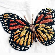 Marvelous Crochet A Shell Stitch Purse Bag Ideas. Wonderful Crochet A Shell Stitch Purse Bag Ideas. Butterfly Embroidery, Hand Embroidery Patterns, Diy Embroidery, Cross Stitch Embroidery, Indian Embroidery, Pdf Patterns, Diy Papillon, Embroidery Techniques, Sewing Crafts