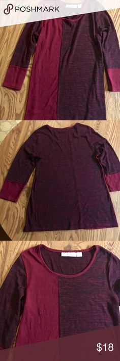 Maroon and black three-quarter sleeve top In like new condition maroon black three-quarter sleeve loose top 20% rayon 78% polyester 2% spandex sagharbor Tops Blouses