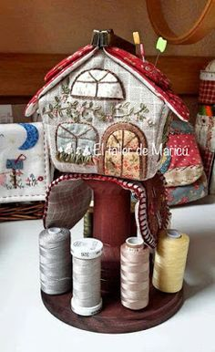 El taller de Maricú: Needle house's box . . . Sew On Patches, Gingerbread, House, Sewing, Couture, Scrappy Quilts, Tela, Sewing Caddy, Sewing Nook