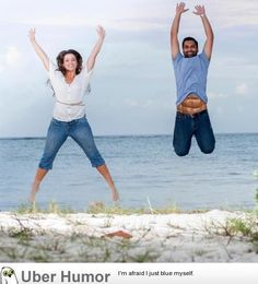 My friend's engagement photo they sent out. Seems legit.what do you think Funny Images, Funny Photos, Six Pack Body, Funny Engagement Photos, Really Funny Pictures, Photoshop Me, Six Packs, Videos Funny, How To Look Pretty