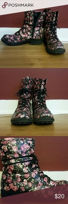 Madden Girl floral combat boots Madden Girl floral print combat boots. Size 8.5. Inside zipper and front laces for easy on & off. Madden Girl Shoes Combat & Moto Boots