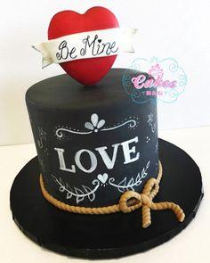 Chalkboard Themed fondant cake - cake by Laura Barajas