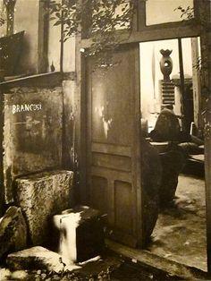 Entrée de l'atelier de Brancusi.