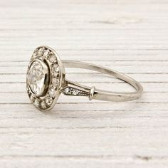 1910 ring! Beautiful vintage jewelry. My obsession with vintage weddingrings is unhealthy..