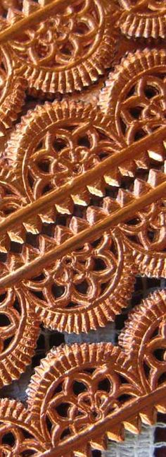 Pin from Tina Color Cobre - Copper! Foil paper lace trim, made in Germany Color Cobre, Copper Color, Copper Penny, Paper Lace, Foil Paper, Metal Detector, Metallic Colors, Pink And Gold, Rose Gold