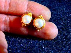 Stunning vintage 22k solid gold and pearl earrings-Gold and