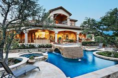 in love with this backyard! goodness gracious!!!