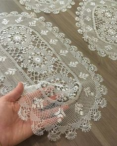 - Her Crochet - Diy Crafts - maallure Diy Crafts Knitting, Diy Crafts Crochet, Free Crochet Doily Patterns, Crochet Borders, Needle Lace, Bobbin Lace, Lace Doilies, Crochet Doilies, Crochet Hammock