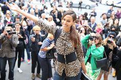 Le top Joan Smalls http://www.vogue.fr/defiles/street-looks/diaporama/street-looks-a-la-fashion-week-de-paris-jour-7-1/15502/image/864181#!le-top-joan-smalls