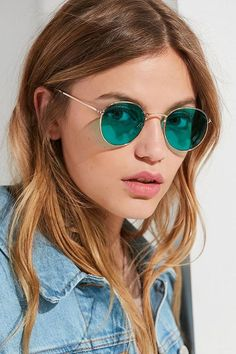 Shop Daydream Metal Round Sunglasses at Urban Outfitters today. We carry all the latest styles, colors and brands for you to choose from right here. Round Lens Sunglasses, Latest Sunglasses, Girl With Sunglasses, Trending Sunglasses, Cute Sunglasses, Mirrored Sunglasses, Sunglasses Women, Sunnies, Vintage Sunglasses