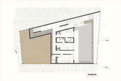 Galería de Casa Unno / DA-LAB Arquitectos - 19 House Built Into Hillside, Patio, Flat Roof, Floor Plans, Building, Lima, Garage, Homes, Draw