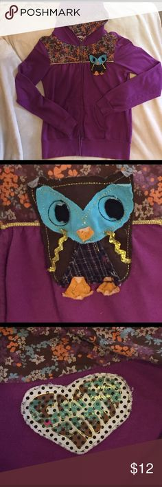 💕🦉ADORABLE🦉💕HOODIE HANDMADE REPURPOSED SZ. L💕 💕🦉💖wOw💖🦉💕This Hoodie is Made from Repurposed Fabrics by a Local Boutique-Crafty Couture❣Size Large with Full Zip. 100% Cotton❣️👍  🍆Eggplant🍆Purple with MultiColored Floral Fabric On the Hood's Interior and the Upper Portion of the Front. Metallic Gold Stitching. Split Kangaroo Pockets on Front Bottom. 💕🦉ADORable Handstitched Owl Addition Sewn onto the Upper Left. SUUUPER Cute❣❣❣Good Used Condition❣Thanks for Chcking Out My Closet…