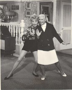 """Lucille Ball & Ginger Rogers """"The Lucy Show"""" Golden Age Of Hollywood, Hollywood Stars, Classic Hollywood, Old Hollywood, Vivian Vance, Queens Of Comedy, A Fine Romance, Fred And Ginger, Desi Arnaz"""