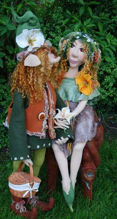 Needle felted dolls by Monica Slavici of Gandalf's Beard on facebook and etsy