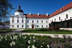 The Royal Palace of Gödöllő - Veranda Sissi, Royal Palace, Castles, Mansions, House Styles, Home Decor, Decoration Home, Chateaus, Manor Houses