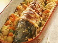 Karpfen im Speckmantel mit Portwein-Soße ist ein Rezept mit frischen Zutaten aus der Kategorie Fisch. Probieren Sie dieses und weitere Rezepte von EAT SMARTER!