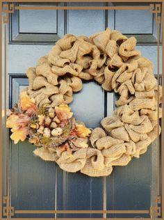 une belle couronne d'automne qui embellira une porte d'entrée. *~*~*~* *~*~*~* *~*~*~* *~*~*~*