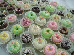 mini donuts?? shower favor idea for @Priscilla Burczynski  ??
