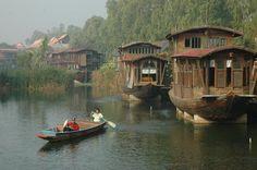 main scene of antique boat hotel