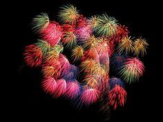 http://www.wallpaperdev.com/customres/1920x1080-fireworks-wallpapers-colorful-fireworks-free.jpg