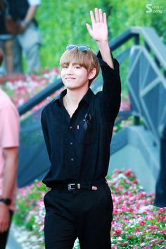 tae looking like a model as usual