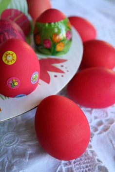 Greek Easter eggs. #Greektradition Easter Lamb, Easter Eggs, Orthodox Easter, Greek Easter, Greek Cooking, Red Cottage, Easter Parade, Easter Traditions, Corfu