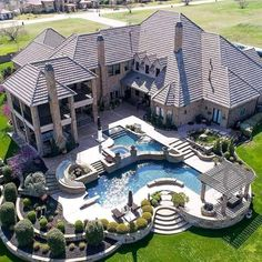 Gorgeous home exterior. Big mansion with back yard pool Hinterhof Ideen Luxus 22 Best Luxury Living Room Ideas - fancydecors Dream Home Design, My Dream Home, House Design, Dream House Plans, Floor Design, Dream Big, Future House, Modern Castle, Modern Mansion
