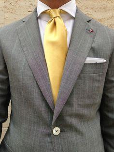 super-suit-man: More men's fashion inspiration! Gray Jacket, Suit Jacket, World Of Fashion, Mens Fashion, Business Fashion, Business Suits, Well Dressed, Mens Suits, Men Dress