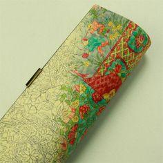 Japan pattern bag / 生成り地 染めの花唐草と童子柄 クラッチバッグ