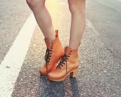 Jaglever, American blogger in Swedish Hasbeens Grandma Boots.
