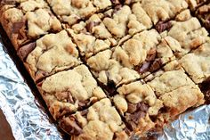 The Sweets Life: Reese's Peanut Butter Oatmeal Cookie Bars