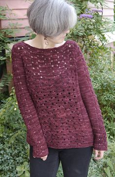 What a pretty lace cluster stitch in this knitted pullover sweater from Berroco, knit in Berroco Artisan yarn. And it's a free pattern!