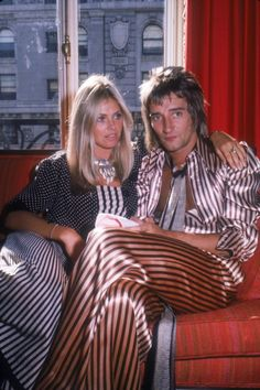 Rod Stewart/Britt Ekland/ 1975.  She's totally modern and today's style.