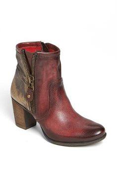 rustic cranberry booties. #fallfavorites