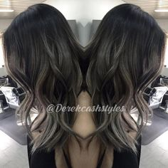 Derek Cash used #KenraColor 3N with 4N at root + 10 vol for 35 mins. At the sink he pushed the root color down for 5 mins. Finally, he toned the ends with SV Rapid Toner for 10 mins. #GrayHair #Kenra