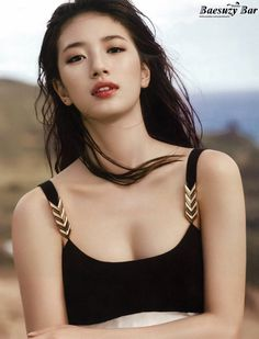Suzy (수지) is a South Korean actress and solo singer under Management SOOP. Suzy debuted as a member of MissA in March 2010 under JYP En. Bae Suzy, Pretty Asian, Beautiful Asian Women, Most Beautiful, Cute Korean, Korean Girl, Korean Beauty, Asian Beauty, Miss A Suzy