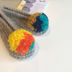 dyenumber2 Brrrr so cold today! These slippers will warm some little toes  . . . #yarnaddict #crochet #crochetaddict #crochetlove #crochetersofinstagram #wool #pompom #makersgonnamake #create #slippers #winter #kidsfashion #babywear #yellow #grey #handmade #handmadeisbetter #craftersofinstagram #getcreative #beawesome