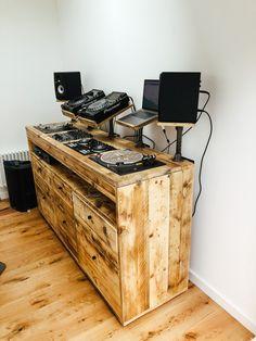 Home Recording Studio Setup, Home Studio Music, Dj Stand, Dj Table, Dj Decks, Sound Room, Vinyl Storage, Vinyl Shelf, Dj Setup