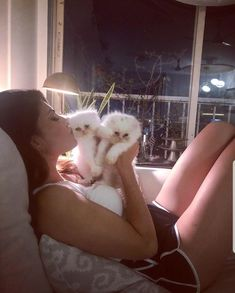 Aren't those days simply purr-fect that end on snuggles with your furry friend? Jacqueline Fernandez, Indian Celebrities, Bollywood Actress, Character Shoes, Dance Shoes, Celebrity, Hairstyle, Dancing Shoes, Hair Job