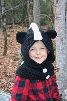 Cutest and easiest CROCHET PATTERN Skunk Hooded Cowl by SugarThreadz
