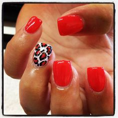 Like the accent nail but in a different color...