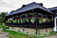 Traditional house in Gura Humorului, Suceava, Bucovina, Romania. Luxury from Romania Visit Romania, Bucharest Romania, Eastern Europe, Traditional House, Architecture, Old Houses, Countryside, Beautiful Places, Exterior