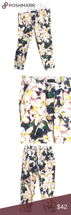 *Brand New* J.CREW Cove Floral Drawstring Pants Never Worn! These gorgeous pants by J.CREW feature a relaxed fit through the hip-thigh area, drawstring waist and a tapered leg. *size 6 *Brand New Condition *Exact Pants. My Photos. *No trades please. Thank You. J. Crew Pants Ankle & Cropped
