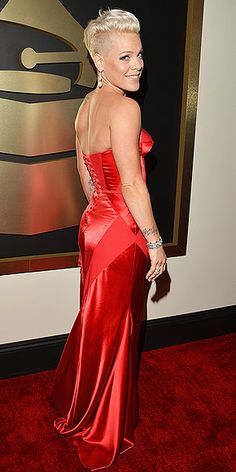 photo | Pink in Johanna Johnson gown