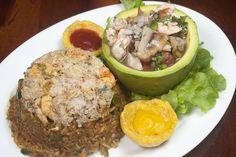 Que rico un arroz con concha, camarón  cangrejo y pulpo tierno y a lado un cebiche mixto Genial!!!!!!.....