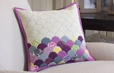 Free Sewing and Quilting Project | Clamshell Pillow | Make It Coats http://www.makeitcoats.com/en-us/discover/sewing-quilting/patterns-designs/clamshell-pillow?utm_source=WhatCounts+Publicaster+Edition&utm_medium=email&utm_campaign=August+2014+Sewing+Secrets&utm_content=Free+Pattern