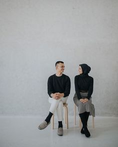 Check this link below based on Wedding Photoshoot - Astro Wedding Pre Wedding Poses, Pre Wedding Shoot Ideas, Pre Wedding Photoshoot, Wedding Shot, Couple Photoshoot Poses, Couple Photography Poses, Couple Posing, Prewedding Hijab, Korean Wedding Photography
