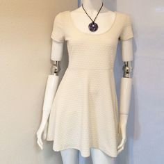 """Forever 21 Mini White Dress Forever 21 Mini White Dress with Short Sleeve. Size Medium. 93% Polyester, 7% Spandex. Hand Wash Cold. Measurements: Armpit to Armpit 16"""", Sleeves 6"""", Waist 14.5"""", Length 31.5"""". Forever 21 Dresses Mini"""