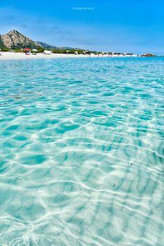 #mare Most Beautiful Beaches, Beautiful Places, Italy Coast, Grace Bay Beach, Sardinia Italy, Beach Fun, Strand, Bella, Travel Inspiration